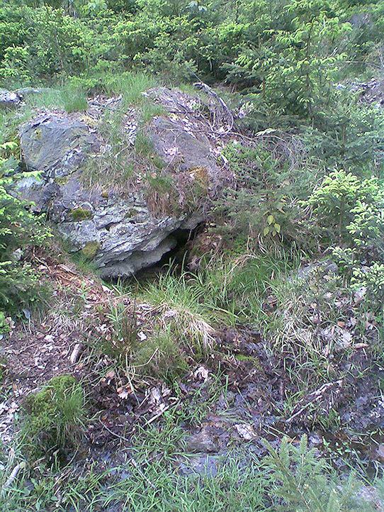 pramen Pod kamenem (1232)
