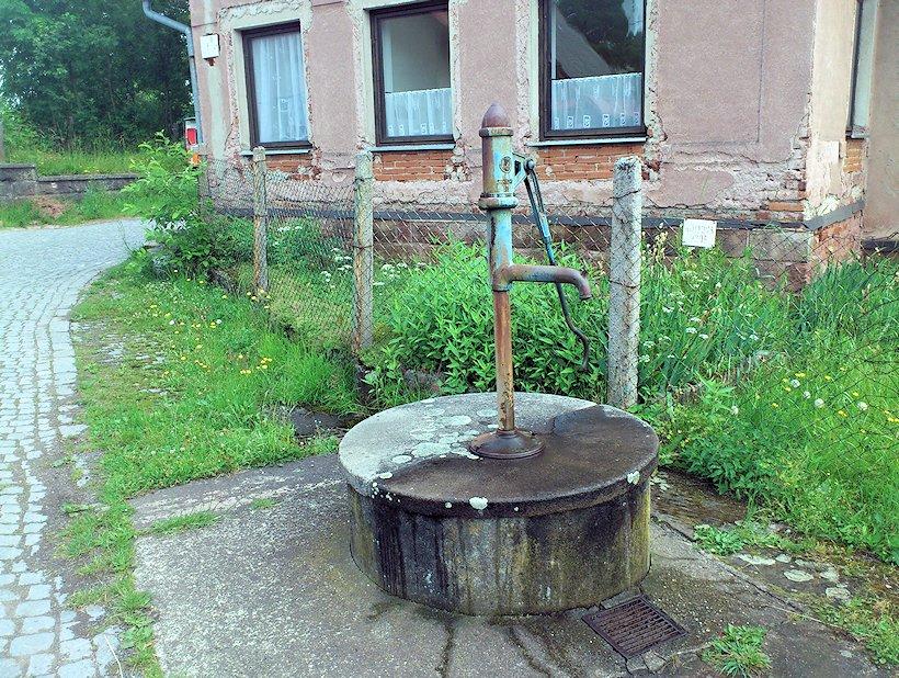studna bez jména (7074)
