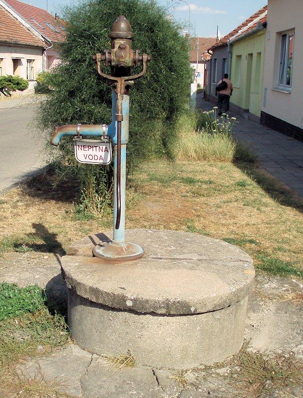 studna bez jména (7258)