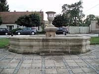 Foto záznam č. 7448 - Kašna na Městečku