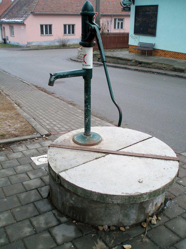 studna bez jména (7960)