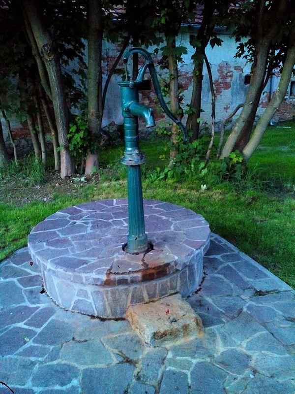 studna bez jména (10808)
