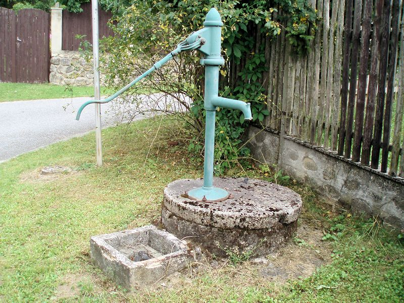 studna bez jména (10898)