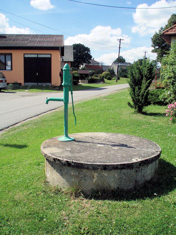 studna bez jména (10941)